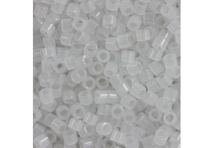 Delica 11/0 DB0220 White Opal