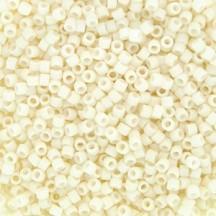 Delica 11/0 DB0352 Cream Matted