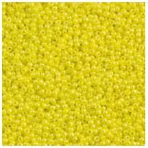 Margele Toho 15/0 0042 Opaque Dandelion